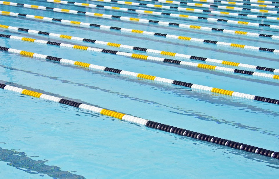 How to Clean Swimming Pool Lane Lines
